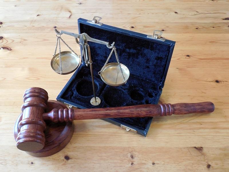 Comment devenir huissier de justice