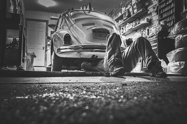 Que faut-il faire régulièrement pour l'entretien de sa voiture ?