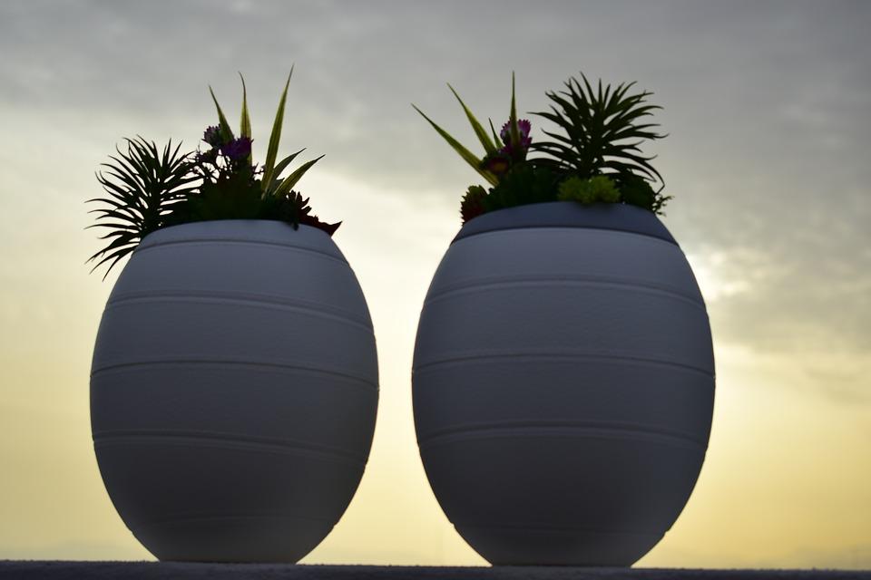 Quelle est la conception appropriée d'une urne funéraire?