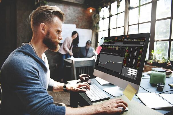 Quand une entreprise en croissance ou une petite entreprise doit-elle offrir des avantages aux employés ?
