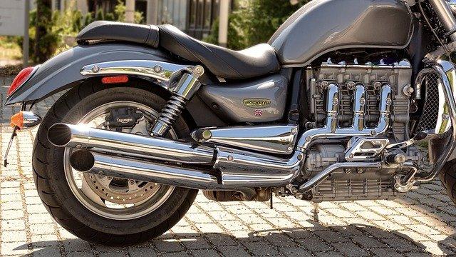 Comment nettoyer le pot d'échappement d'une moto ?