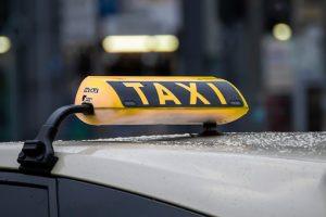 Le taxi conventionné par la CPAM et ses différents services